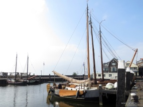 in de Urker haven (1)