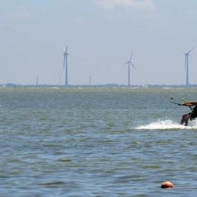 kitesurfer in actie - 1