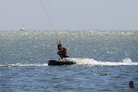 kitesurfer in actie - 3