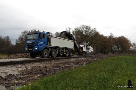 de asfaltfrees aan het werk (1)