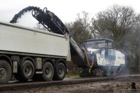 de asfaltfrees aan het werk (2)
