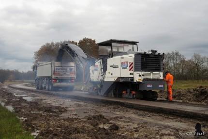 de asfaltfrees aan het werk (4)