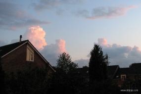 wolken bij zonsondergang - 1