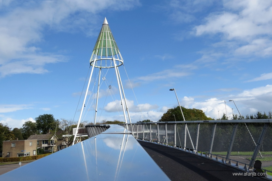 fietsbrug 'de Slinger' - 1 - bike bridge 'the Garland'