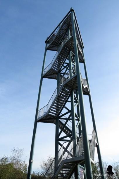 aan de voet van de toren - 3