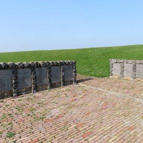 monument vissersramp 1883 (1)